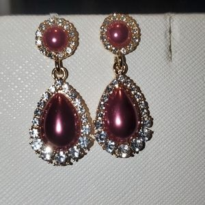 💝 Pink pearl and white crystal earrings